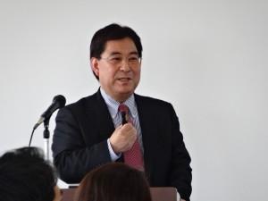 講義をする村田特任教授